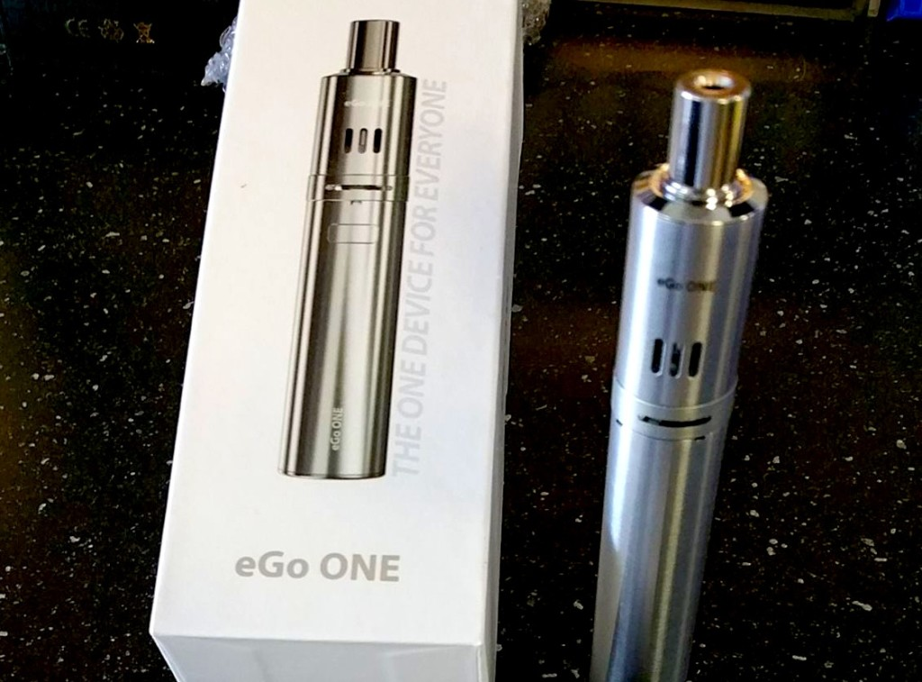 eGo One Joytech subohm sub ohm battery and tank with .5ohm coil an 1ohm coil